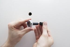 So einfach ist die Montage und Installation einer Türspionkamera